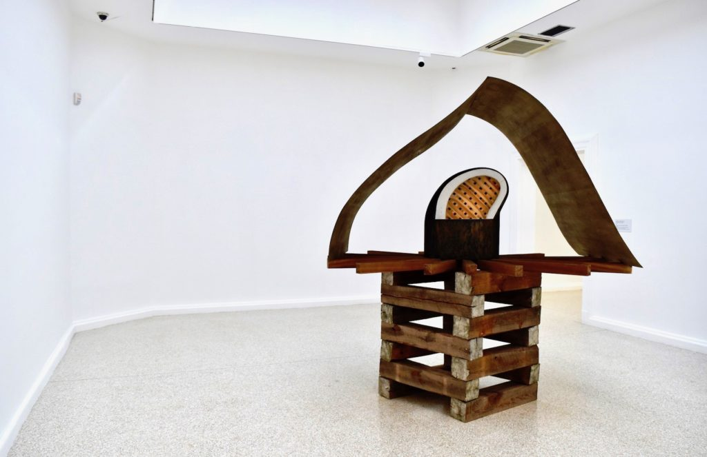 Martin Puryear, Cloister—Redoubt or Cloistered Doubt? (2019). Image courtesy Ben Davis.