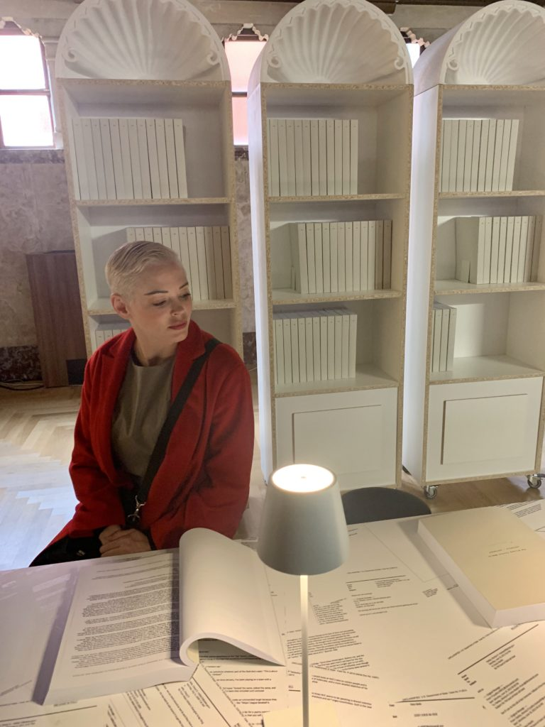 """Rose McGowan in Venice at the exhibition """"Kenneth Goldsmith: Hillary."""" Photo by Sarah Cascone."""