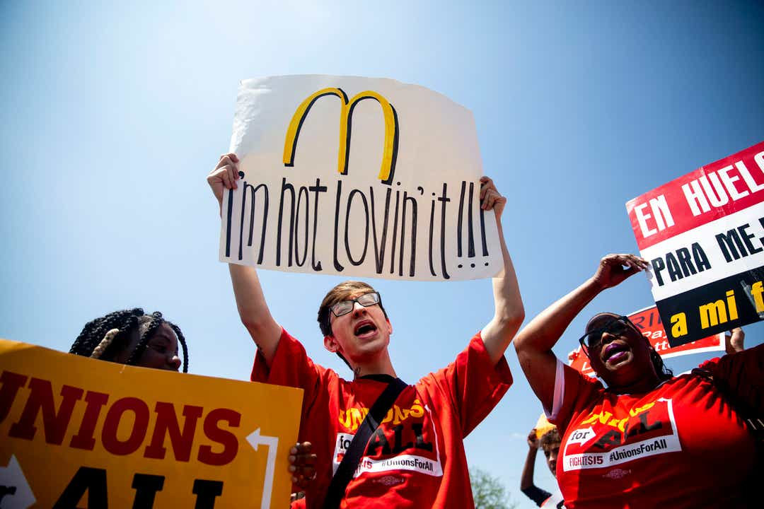 2020 candidates slam McDonald's over workers pay