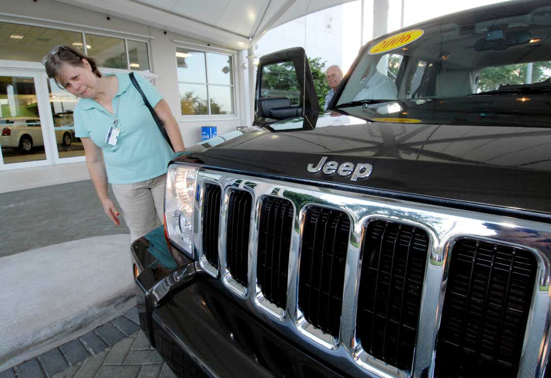 5 tips for finding deals on SUVs, cars