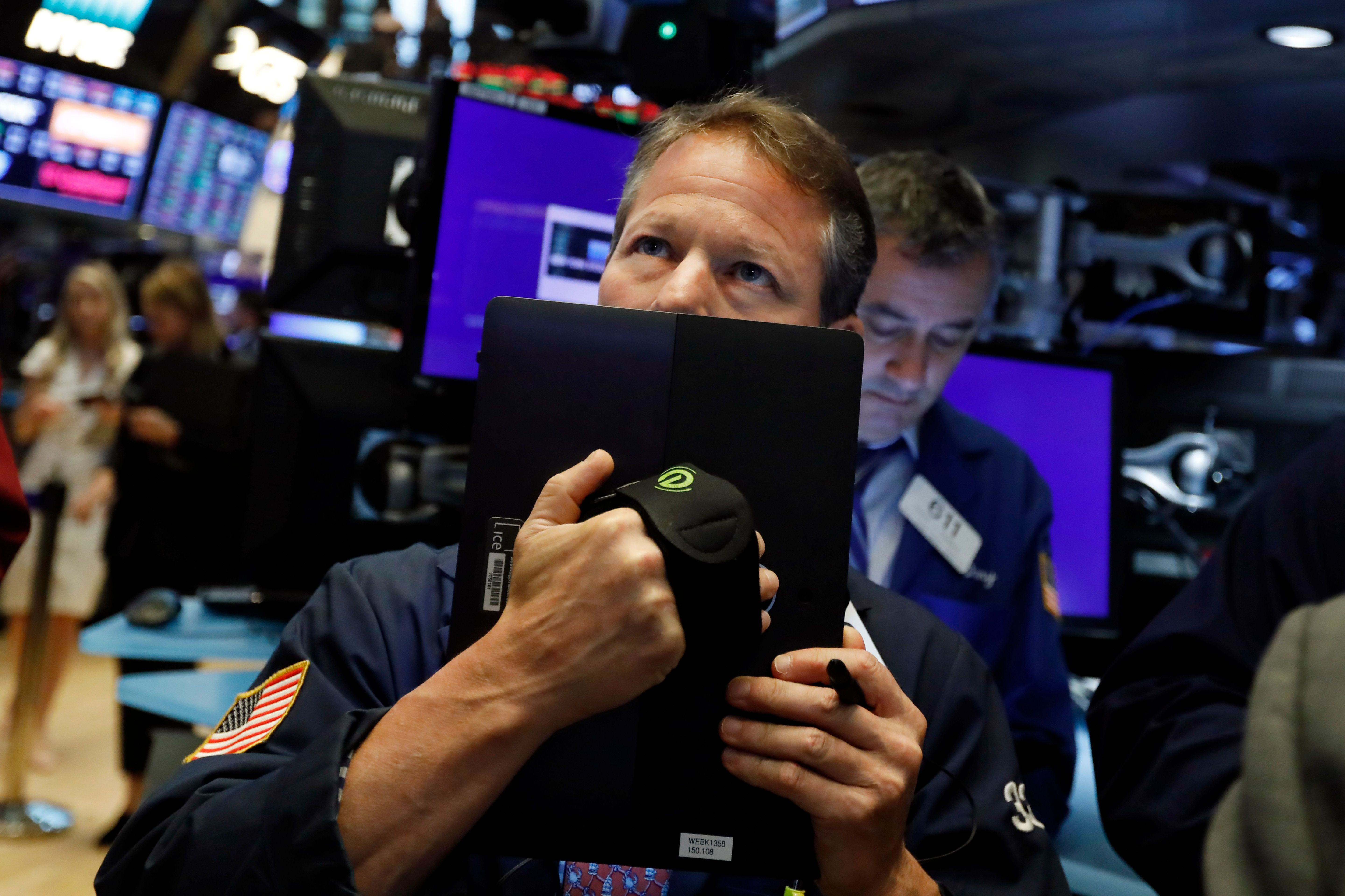 Dow tumbles as U.S-China trade spat stokes investor fears