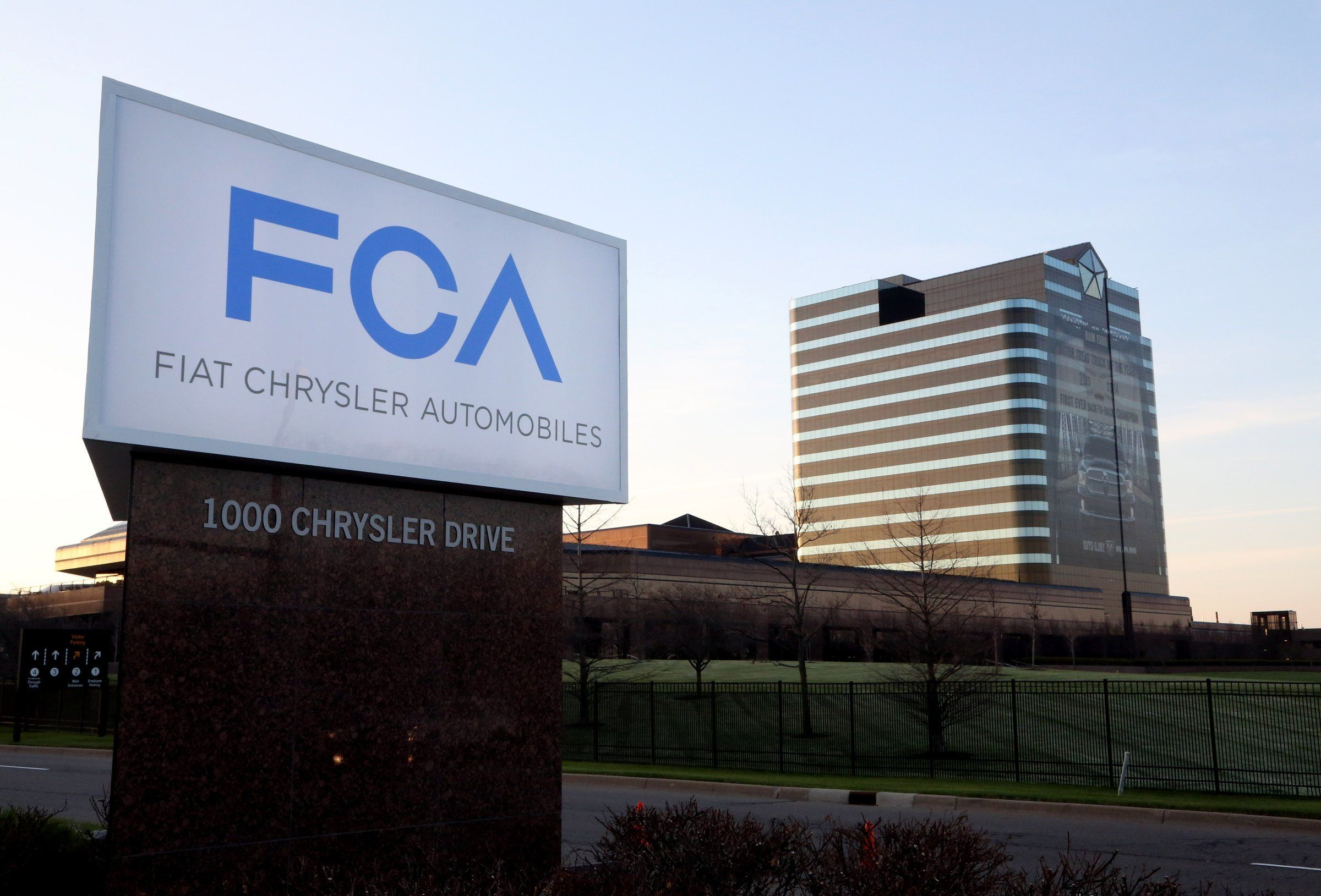 Fiat Chrysler partnering with Google, Samsung