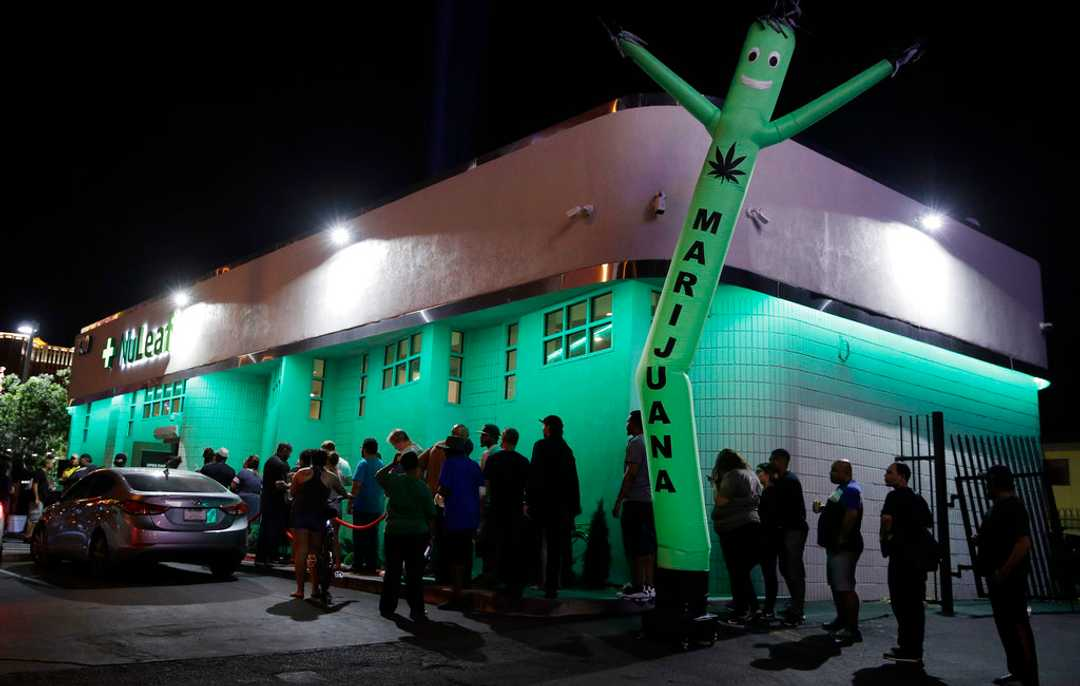 Las Vegas weed dispensaries can open legal cannabis lounges