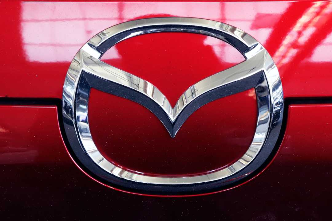 Mazda SUV side air bags under probe for inadvertently deploying