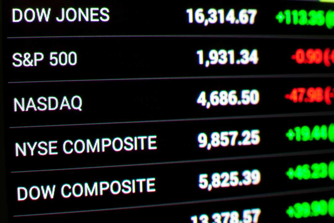 Stocks pare losses after China trade talks end