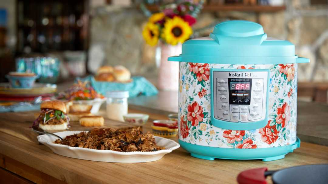The Pioneer Woman Instant Pots are on sale at Walmart just in time for Mother's Day