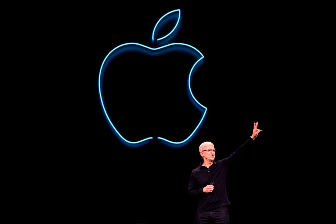 Apple CEO Tim Cook holds tech companies accountable at Stanford speech
