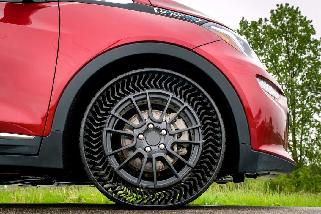GM working on airless, puncture-proof Michelin Uptis tires