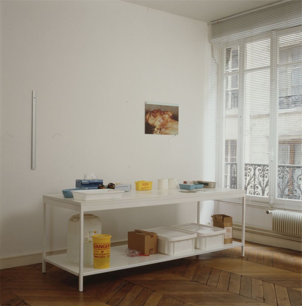 Damien Hirst's first show in Perrotin's living room in 1991. Photo courtesy of Perrotin Gallery.