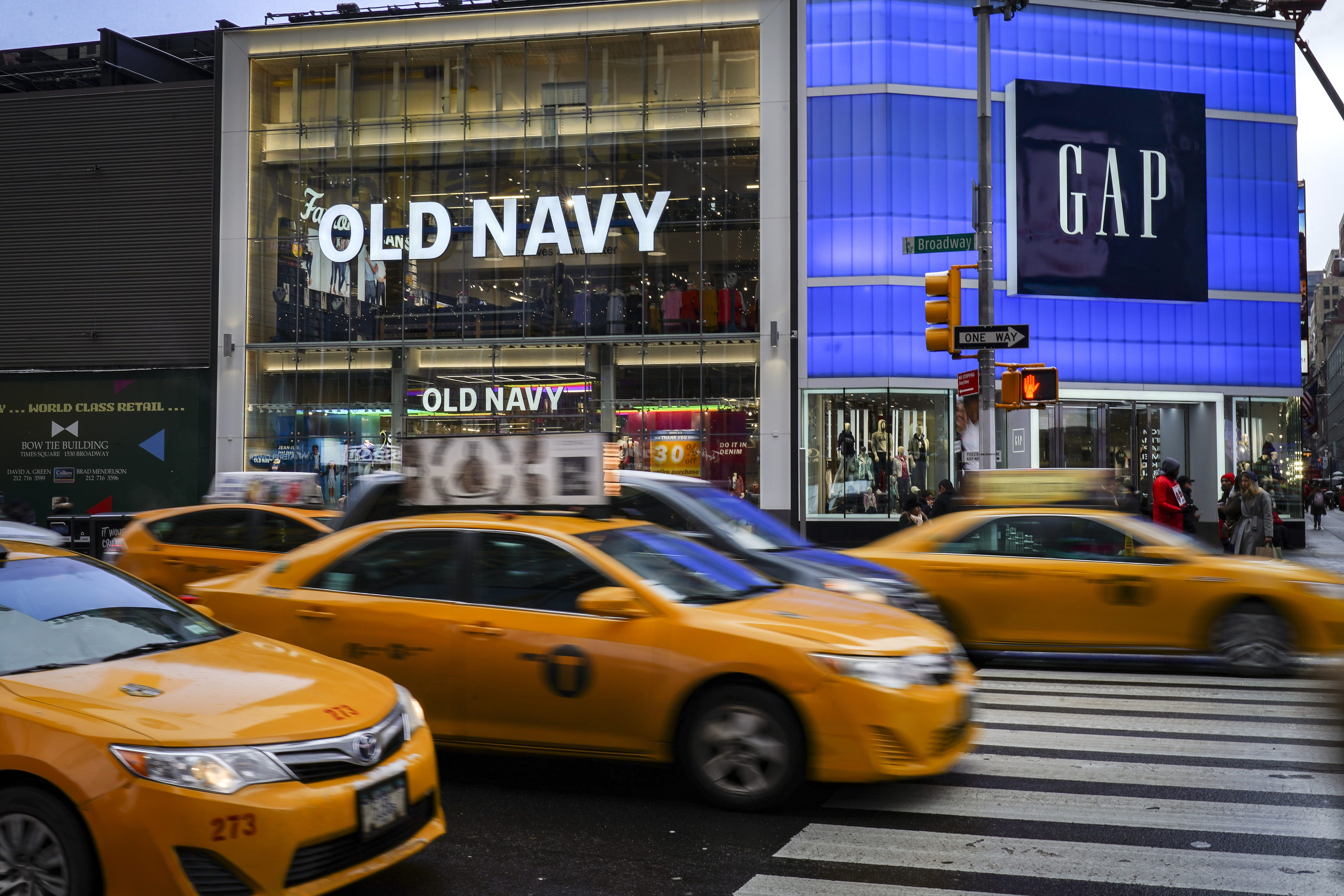 Old Navy shopper says she was grabbed, racially profiled in Canada shop