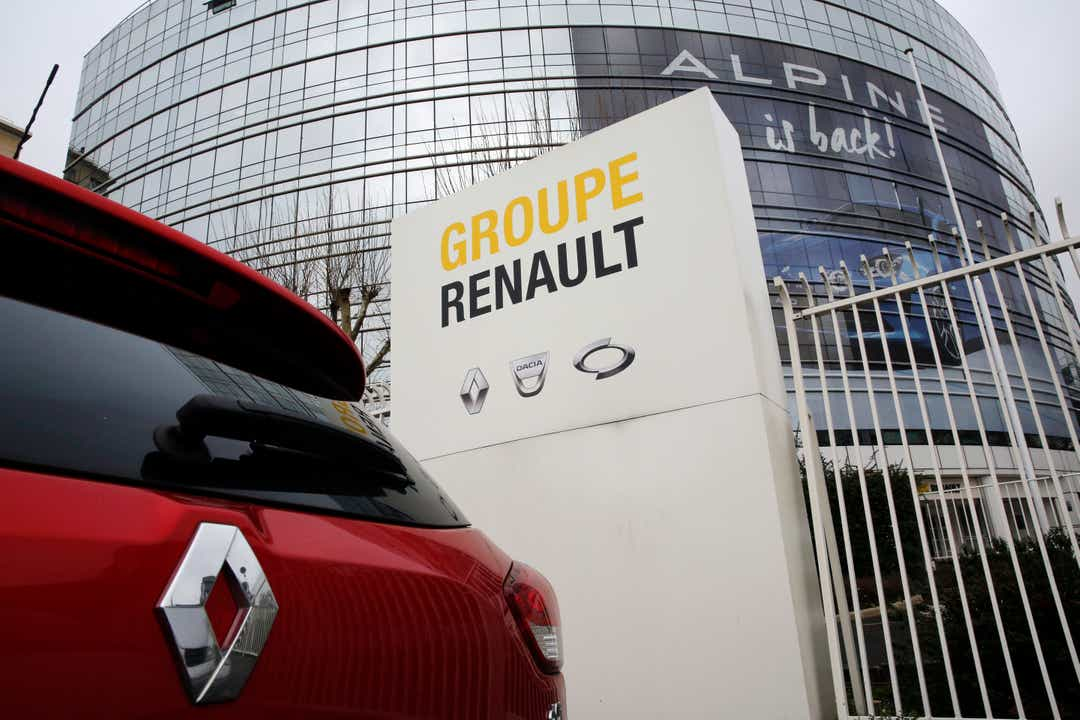 Renault looks to merge with Fiat Chrysler
