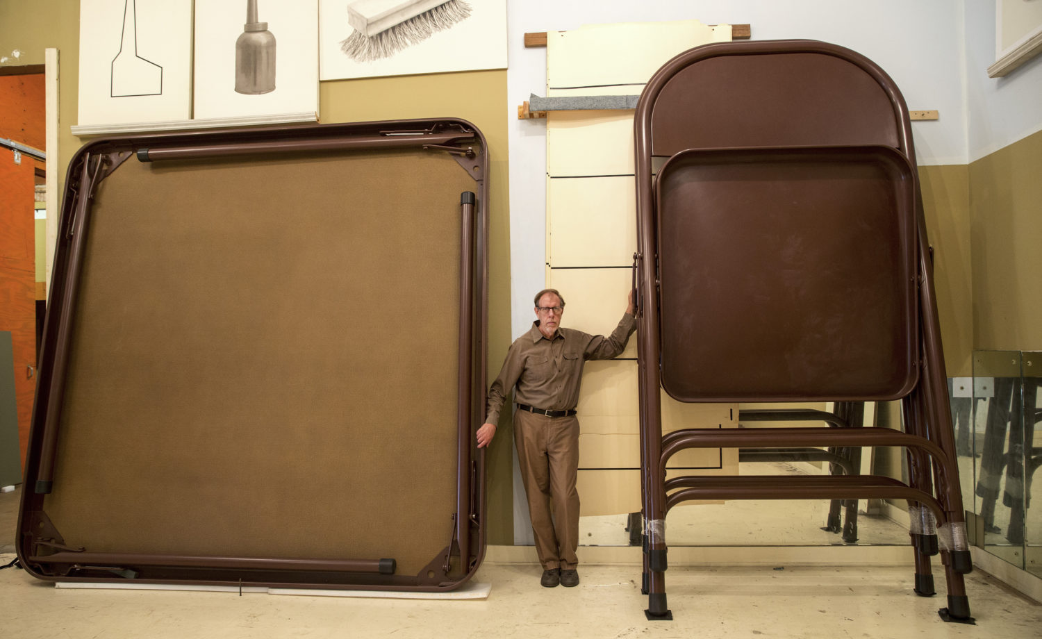 Robert Therrien, the LA Artist Famed for His Giant-Sized Sculptures of Chairs and Other Everyday Objects, Has Died at 71