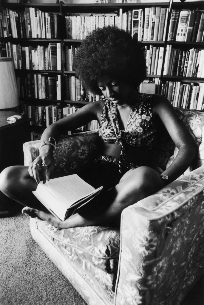 Isaac Sutton, Natalie Cole in her apartment in 1973. Photo courtesy of Johnson Publishing Company.