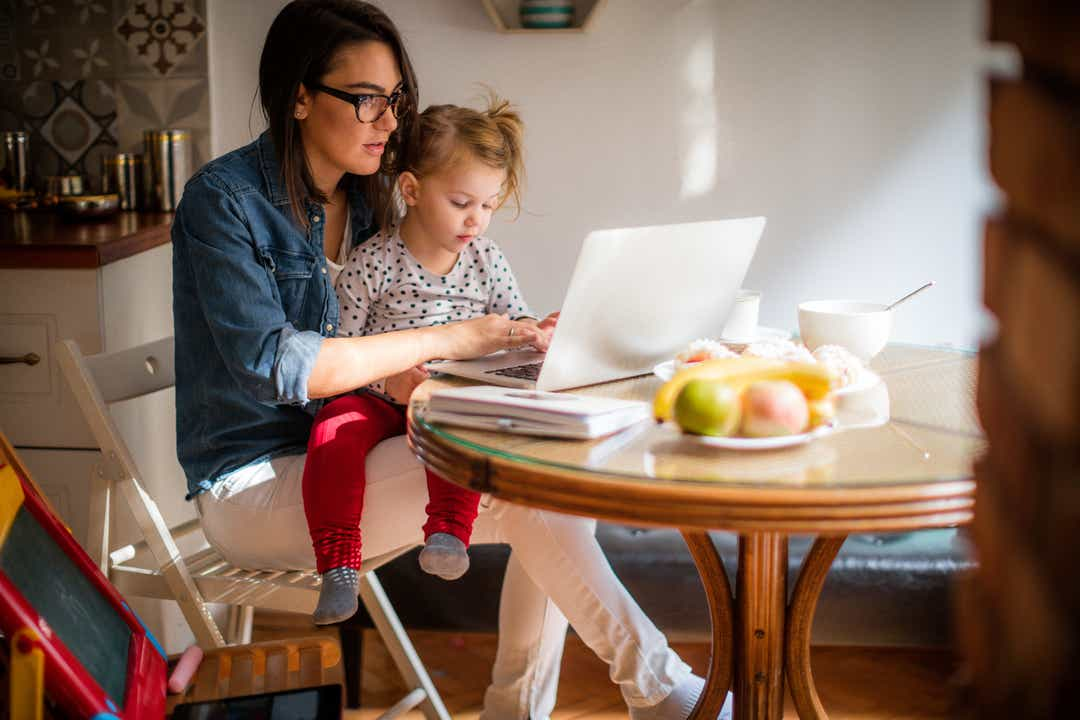 Best business tips and ideas for moms working from home