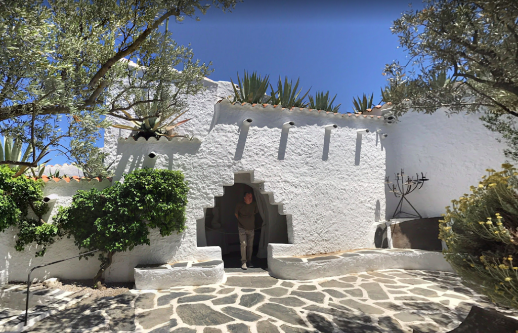 A screenshot of Dalí's former studio and home, which is now a museum.