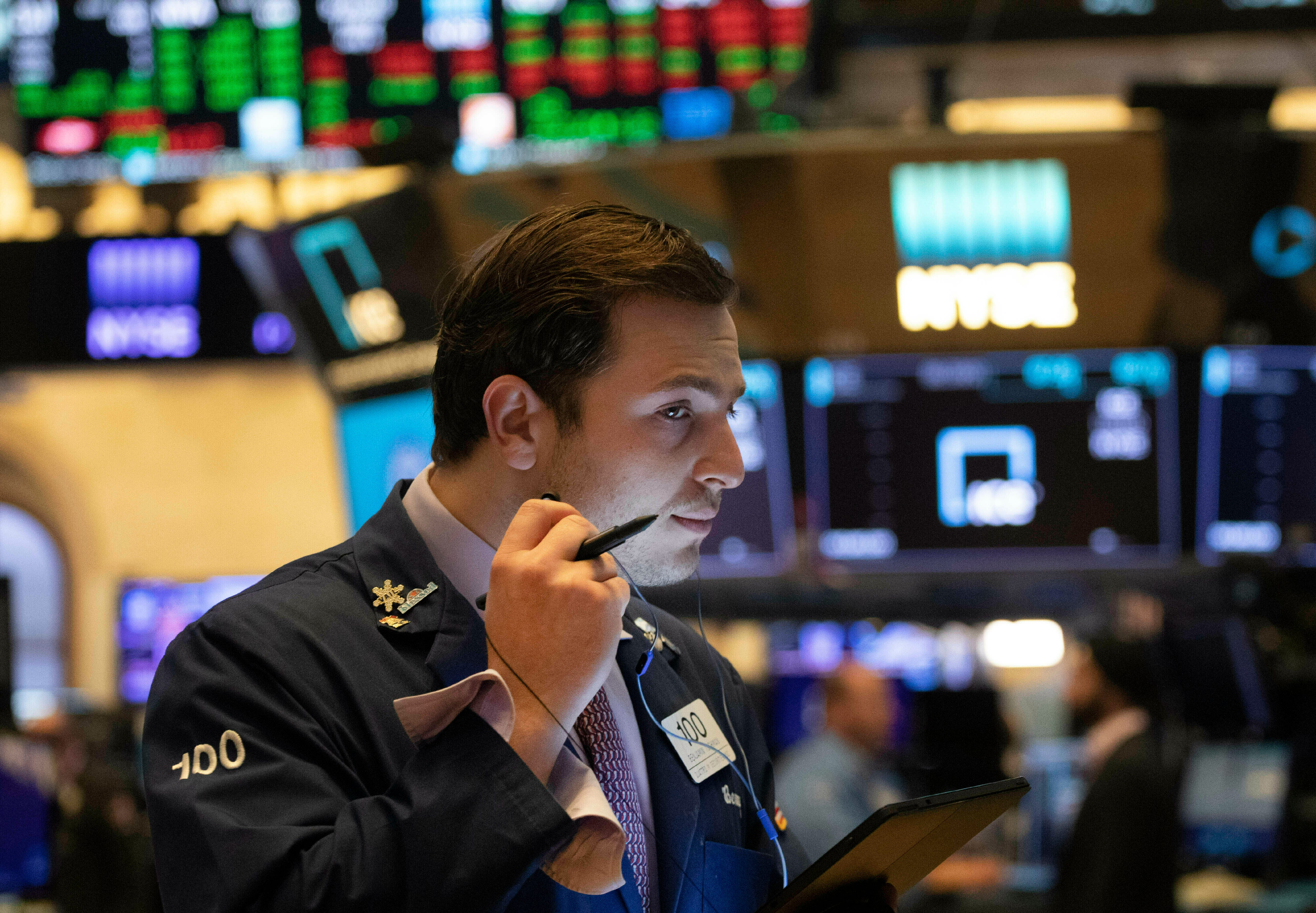 Stocks rise on Wall Street, sending Dow briefly over 27,000