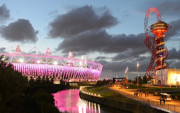 The Olympic Stadium and the <i>ArcelorMittal Orbit</i>. Photo: Gerard McGovern/Flickr. Via Wikimedia Commons.