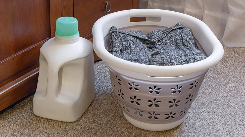 Camco laundry basket