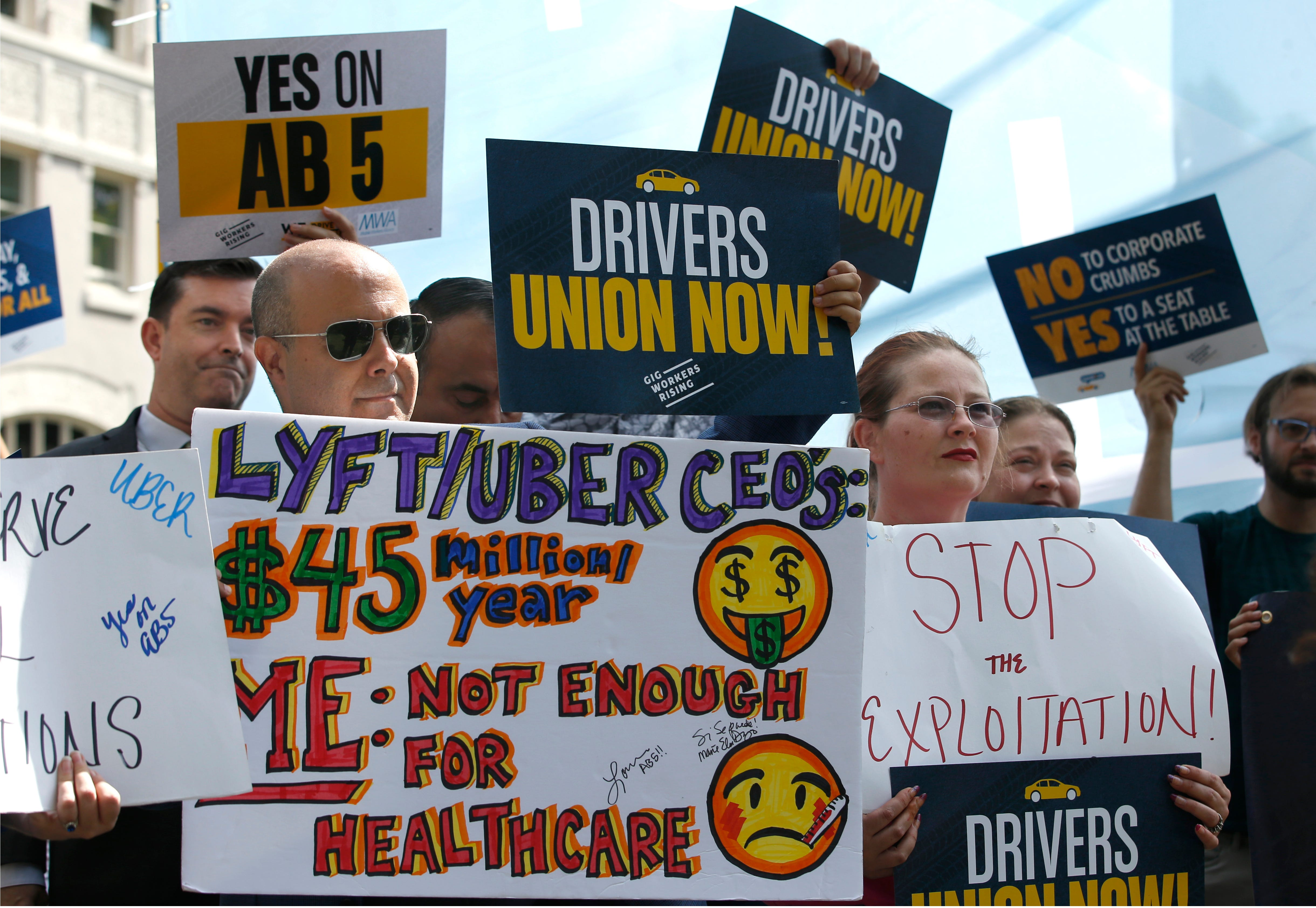 California, Uber and Lyft can find a compromise on drivers' benefits