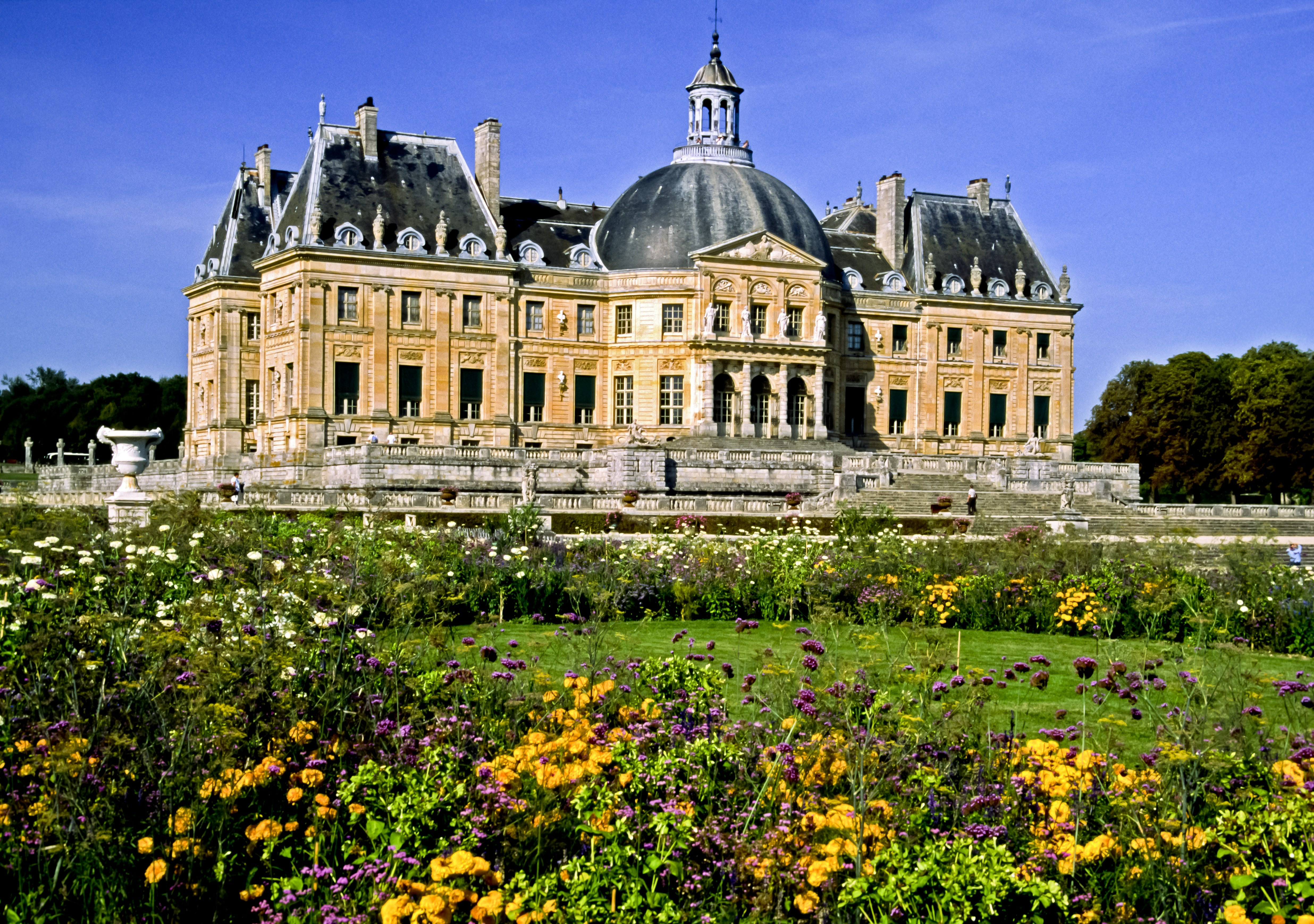 Thieves Made Off With $2.2 Million in Loot From a Lavish French Castle That Helped Inspire Versailles