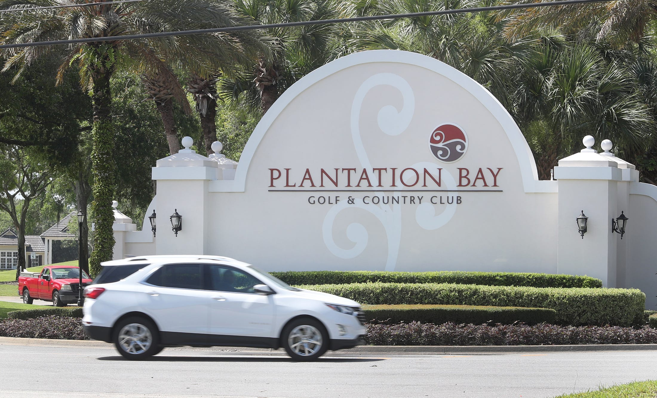 Real-estate developers refuse to change communities' plantation names