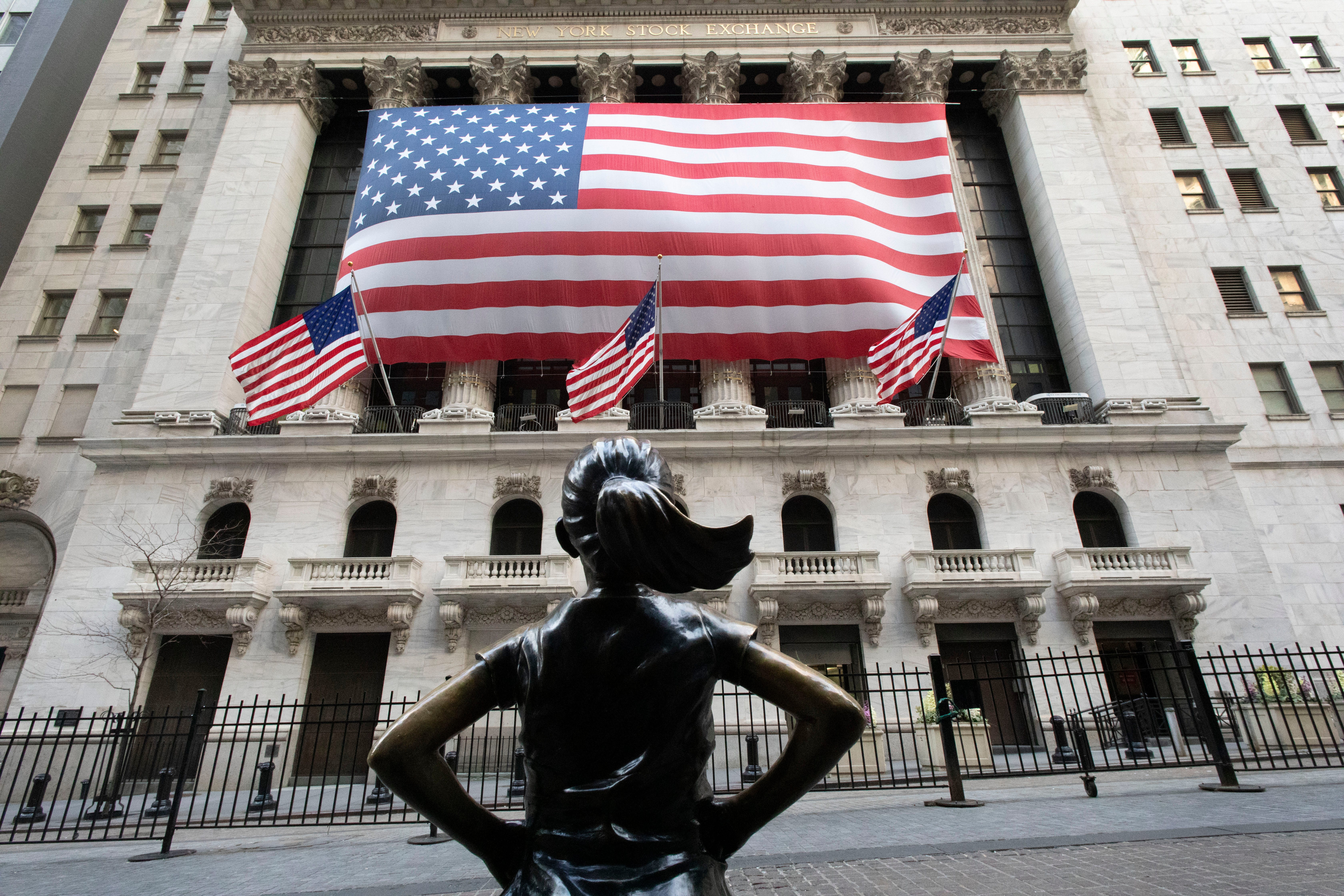 S&P 500 hits high as Big Tech thrives in COVID recession