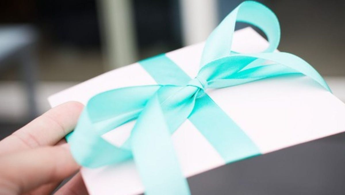Don't fall for the 'Secret Sister' gift exchange scam. Here are 7 reasons to avoid it.