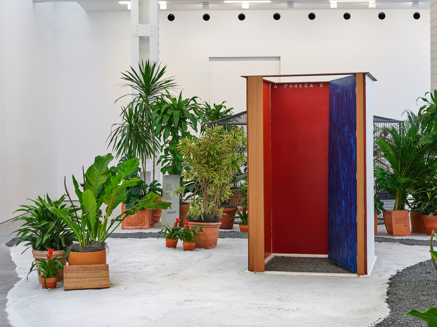 Step Into the Sensory World of Hélio Oiticica's 'Tropicália' at Lisson Gallery With This Video Narrated by the Late Brazilian Artist | artnet News