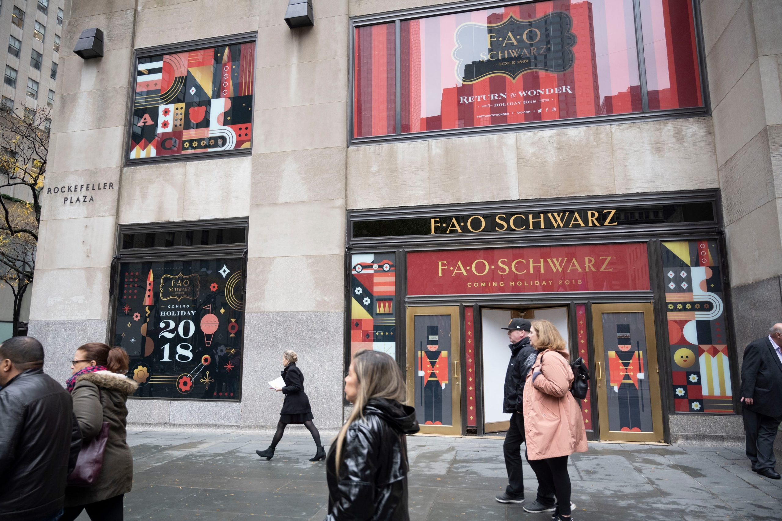 Airbnb launches holiday promotion allowing New Yorkers to stay overnight at FAO Schwarz