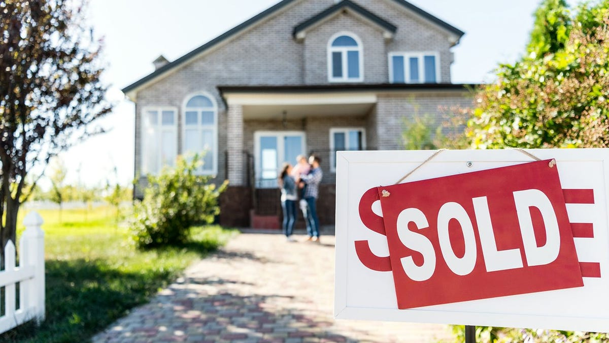 Homeowners aren't fleeing cities in droves despite COVID-19
