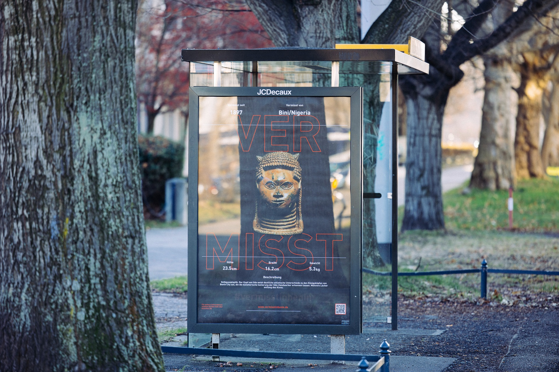 A Nigerian Artist Has Put Up More Than 200 'Missing' Posters Depicting the Benin Bronzes Throughout the City of Dresden