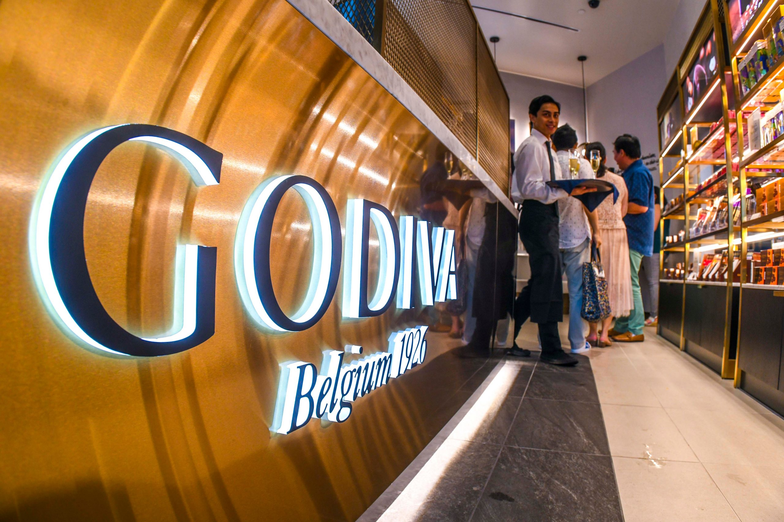 Godiva to close its boutiques by end of March. Chocolate will be sold online, other stores.