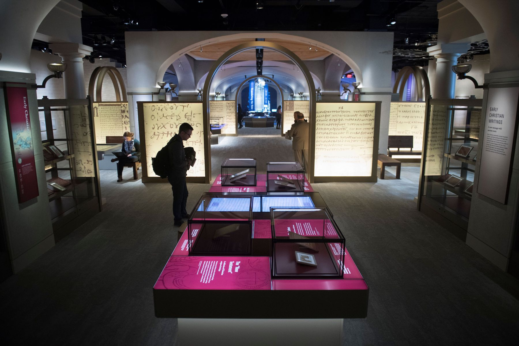 The Museum of the Bible Must Once Again Return Artifacts, This Time an Entire Warehouse of 5,000 Egyptian Objects | artnet News