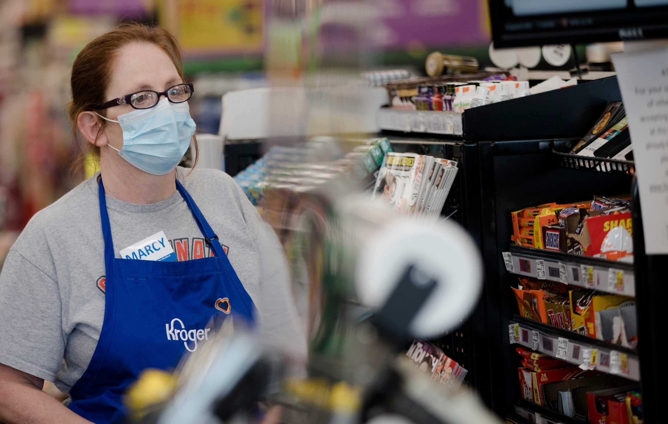 Kroger will pay workers $100 to get COVID-19 vaccine
