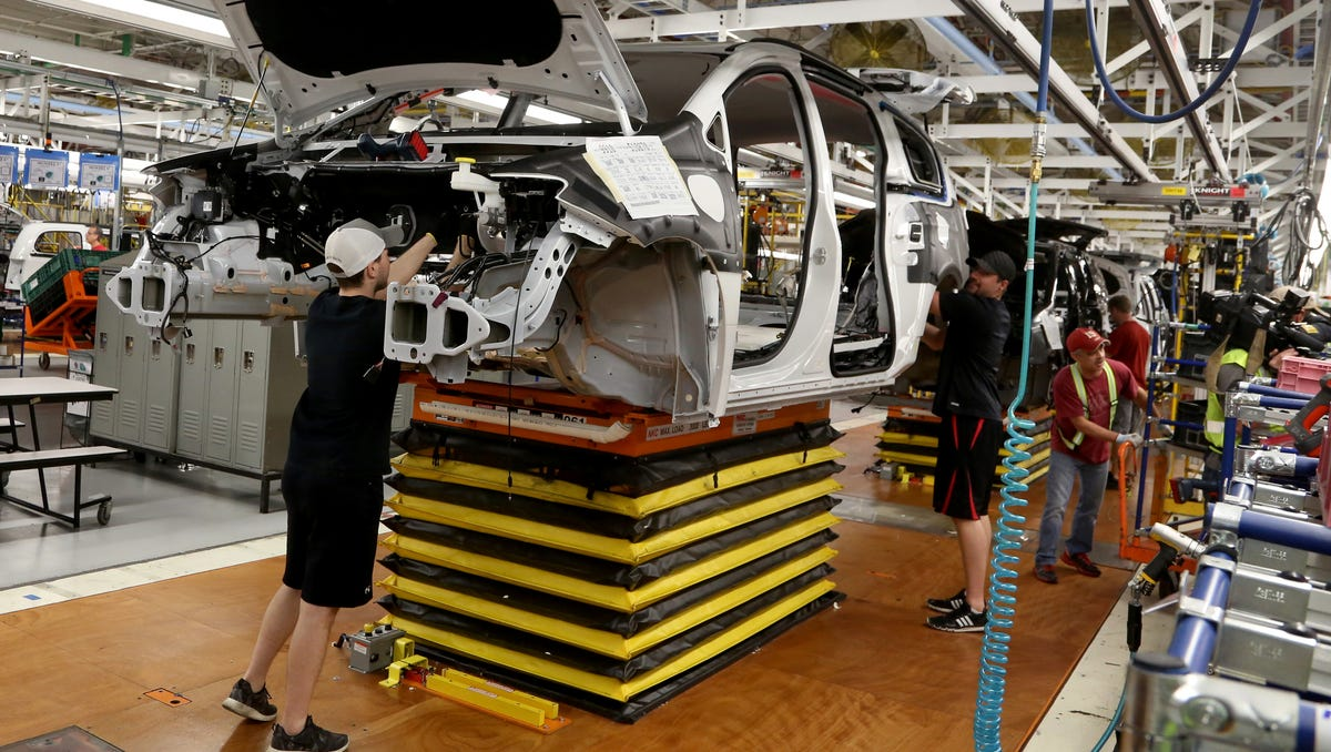 Chrysler Pacifica minivan plant to shut for a month over global computer chip shortage