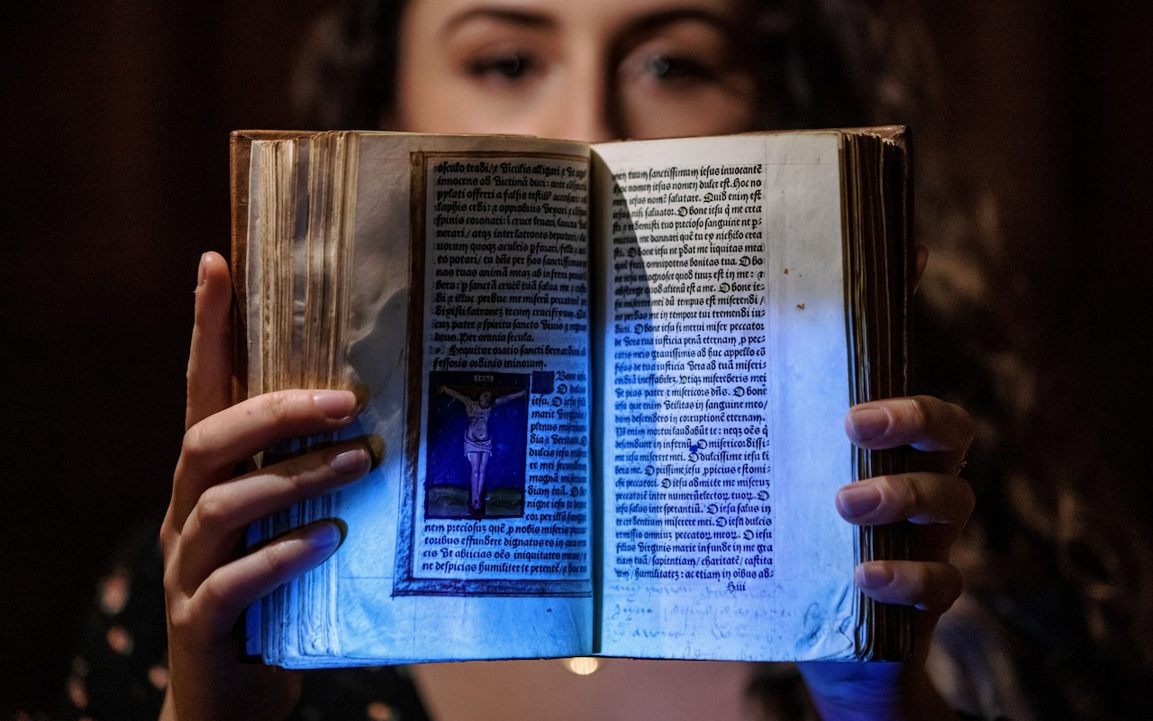 A Scholar Has Uncovered Hidden Messages in the Prayer Book That Anne Boleyn Is Said to Have Carried to Her Death | Artnet News