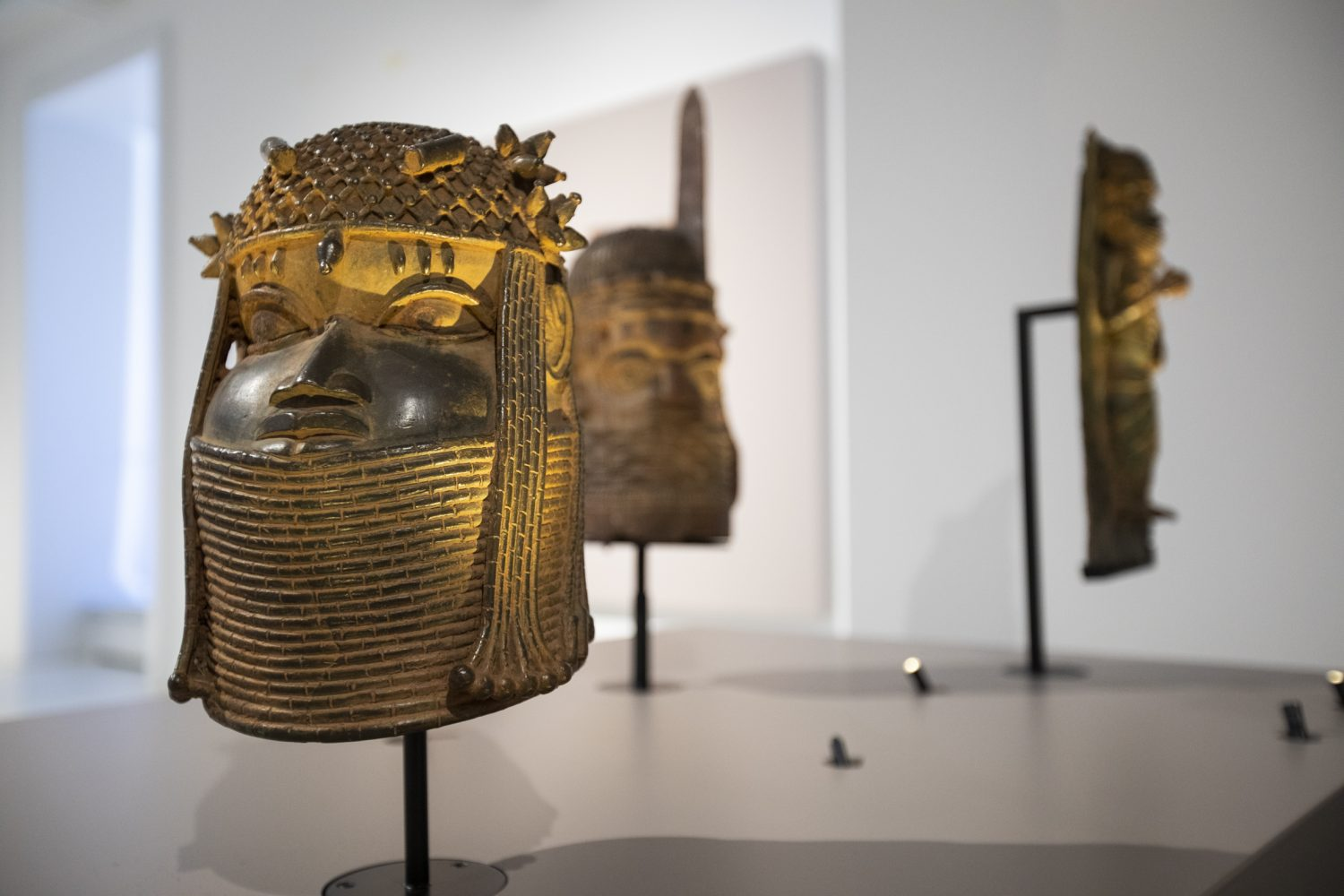 Benin Bronzes Are Scattered All Over World. We Asked Museums That Hold Them Where They Stand on Restitution | Artnet News