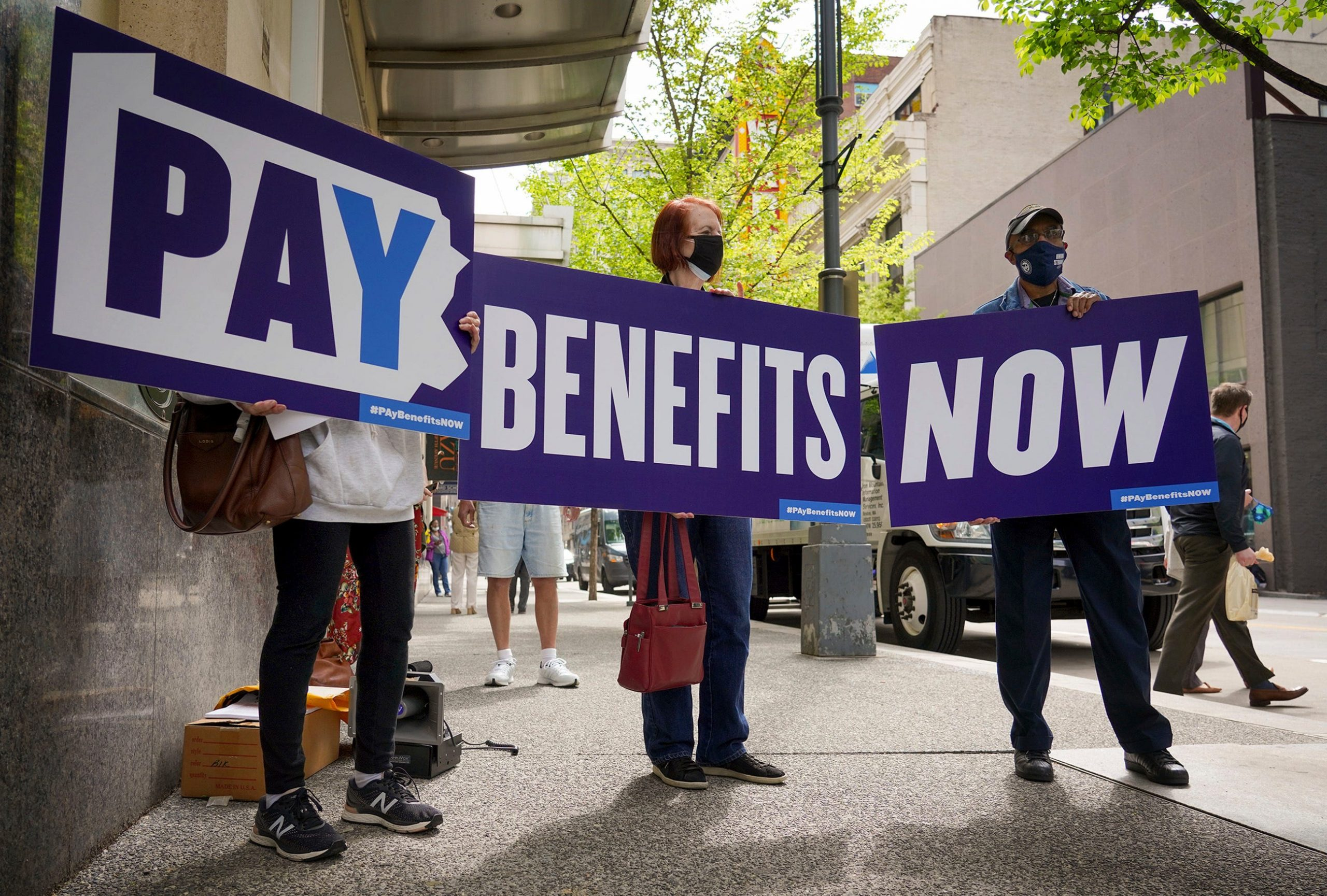 'Broken' unemployment benefits are in need of reform, workers and lawmakers say