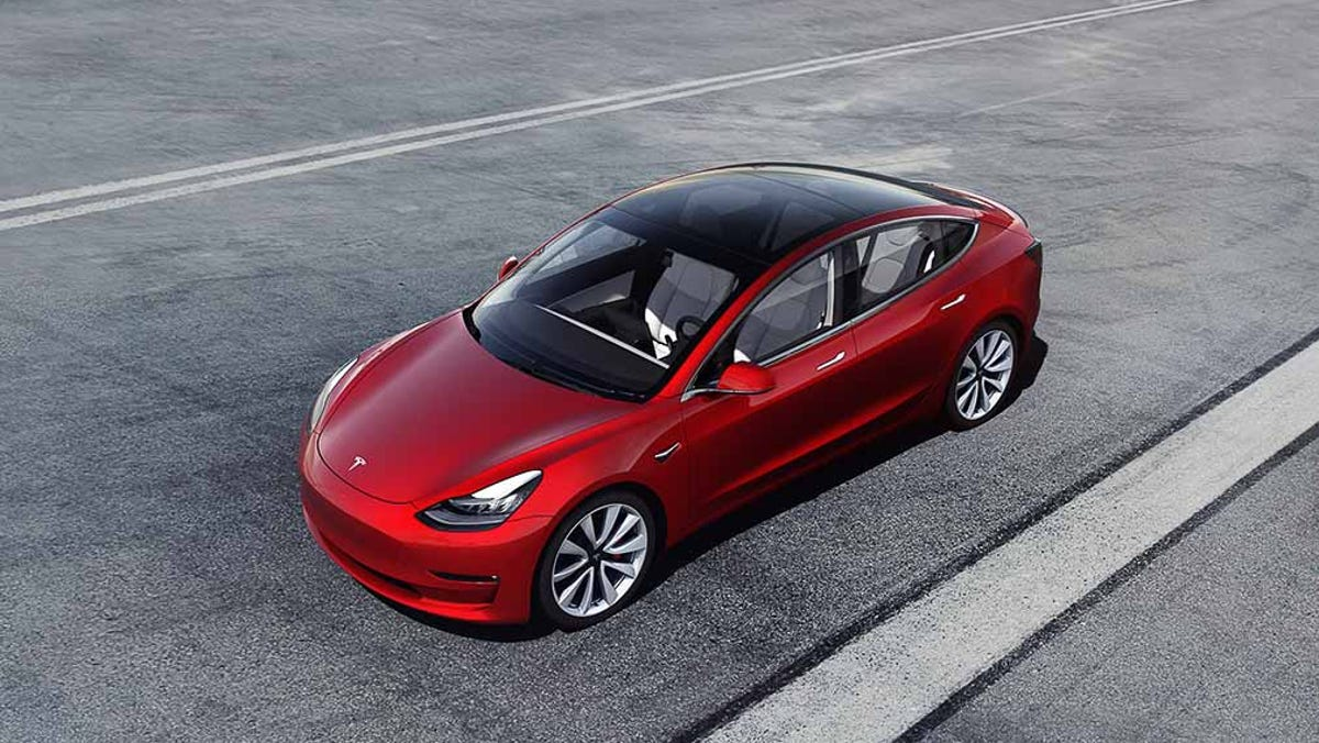 Tesla Model 3 becomes first all-electric car of the year on Cars.com 2021 American-Made Index