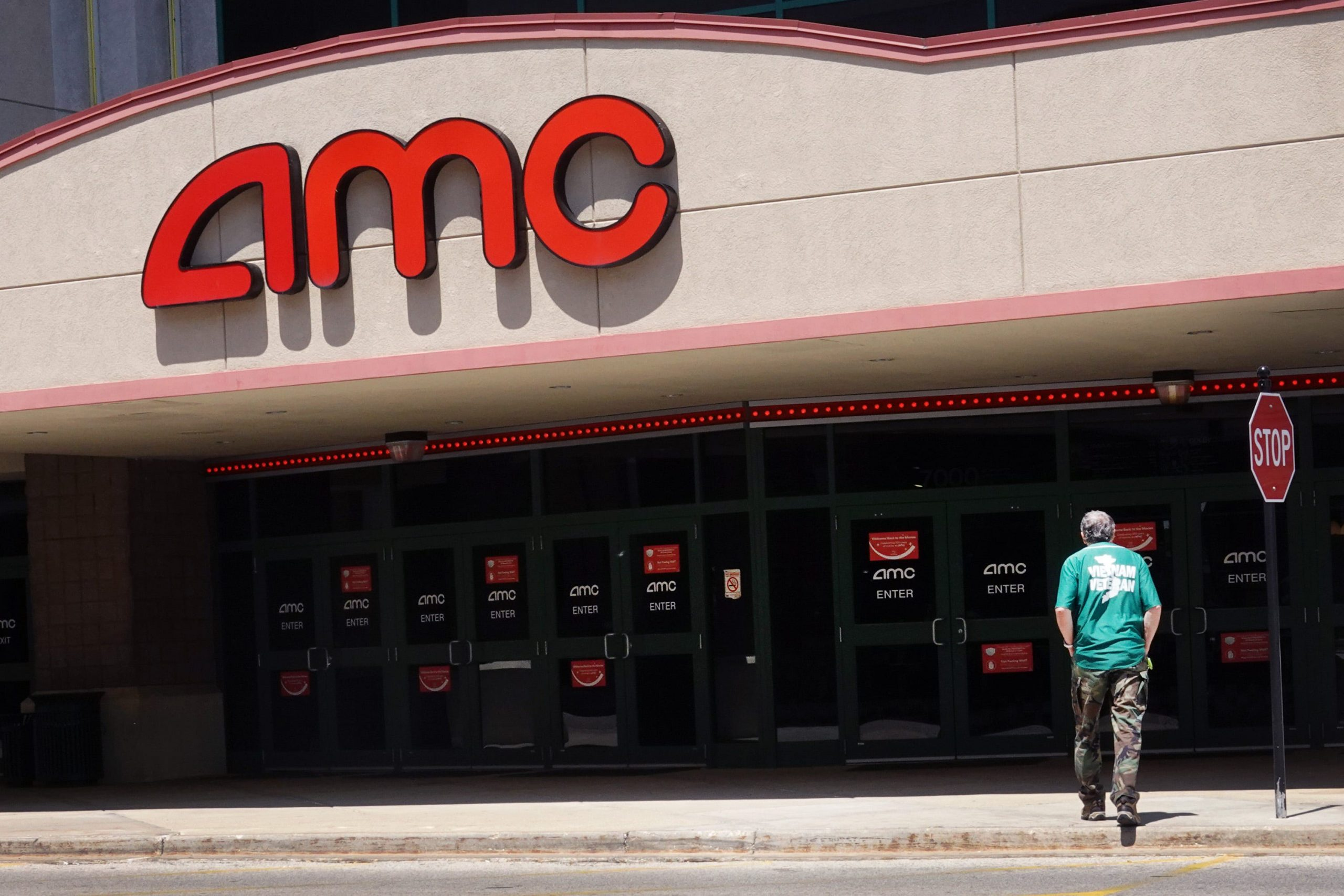 AMC says customers will soon be able to buy movie tickets with bitcoin