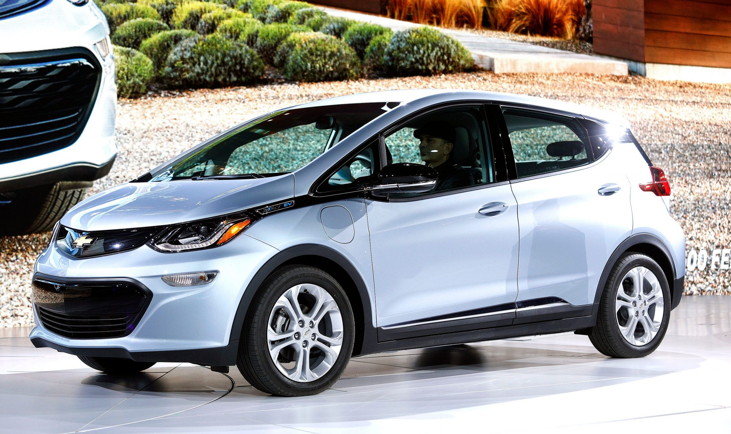 GM expands recall to all Chevy Bolt electric vehicles for fire risk