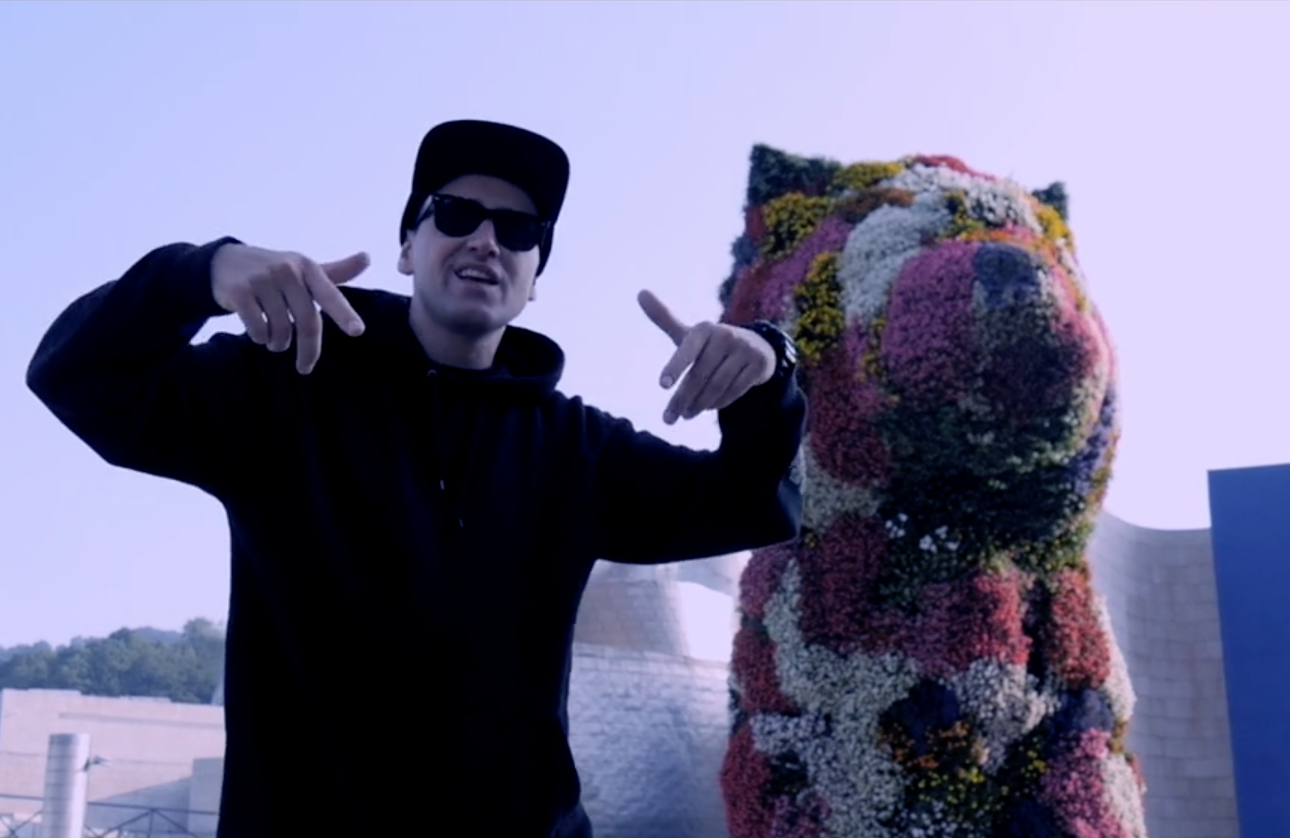 The Guggenheim Bilbao Just Dropped a Rap Video to Raise Funds to Repair Its Jeff Koons Puppy Sculpture and It's... Well, Judge for Yourself